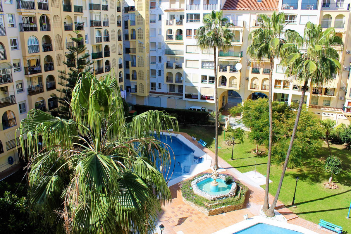 Top Floor Apartment, , Costa del Sol. 3 Bedrooms, 2 Bathrooms, Built 82 m².  Setting : Beachfront, C,Spain
