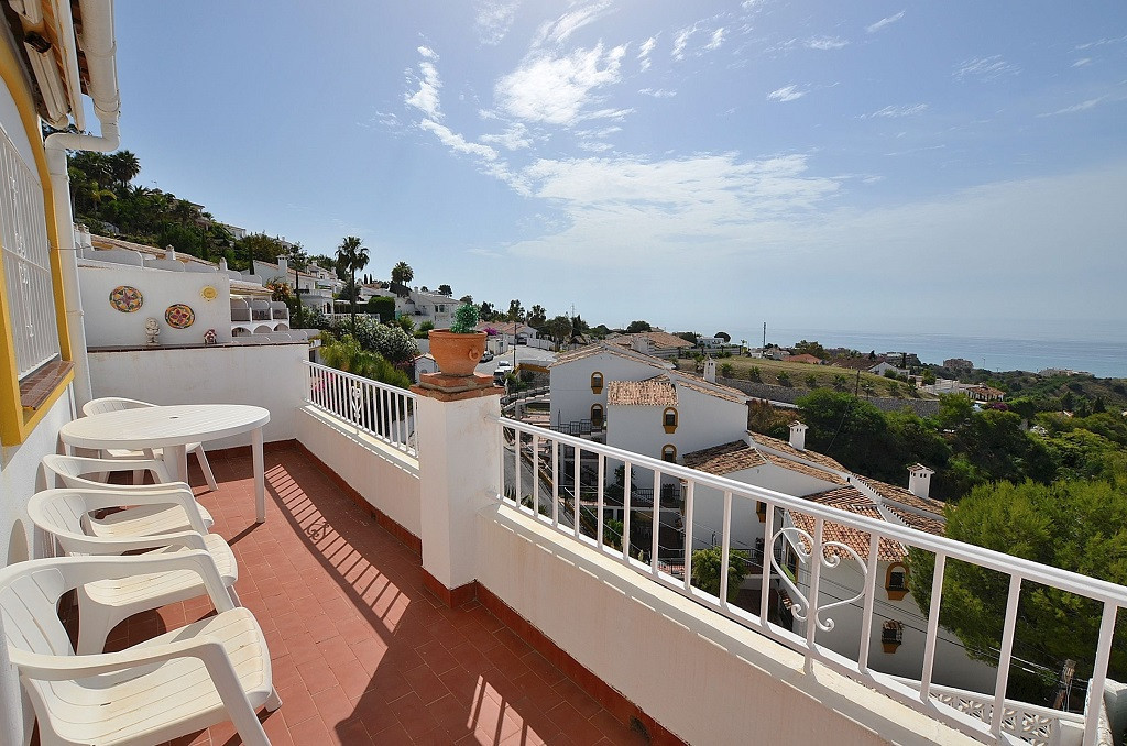 WONDERFUL TOWNHOUSE WITH FANTASTIC SEA VIEWS located in La Capellania (Benalmadena). 2 large terrace,Spain