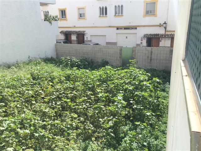 Parcela Urbana de 200 m2, que se puede parcela en dos parcelas de 100 m2 para la construccion de viv,Spain