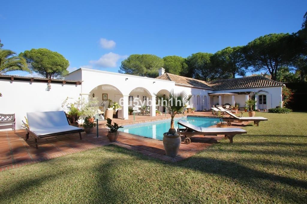 Rustic three bedroom, south facing villa in Paraiso Medio, Estepona. Just a short drive to nearby sh,Spain