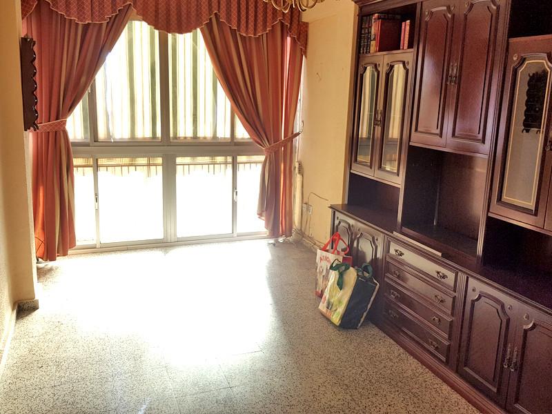 Middle Floor Apartment, Malaga, Costa del Sol. MIRAFLORES  4 Bedrooms, 2 Bathrooms, Built 80 m2  Con,Spain