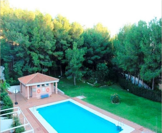 Chalet Adosaso corner in Cerrado Calderon. Villa in Cerrado de Calderon, the most exclusive area of ,Spain