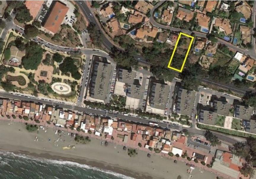 Great plot in a superb location. Malaga East. El Candado. This 1057 sm plot offers wonderful views o,Spain