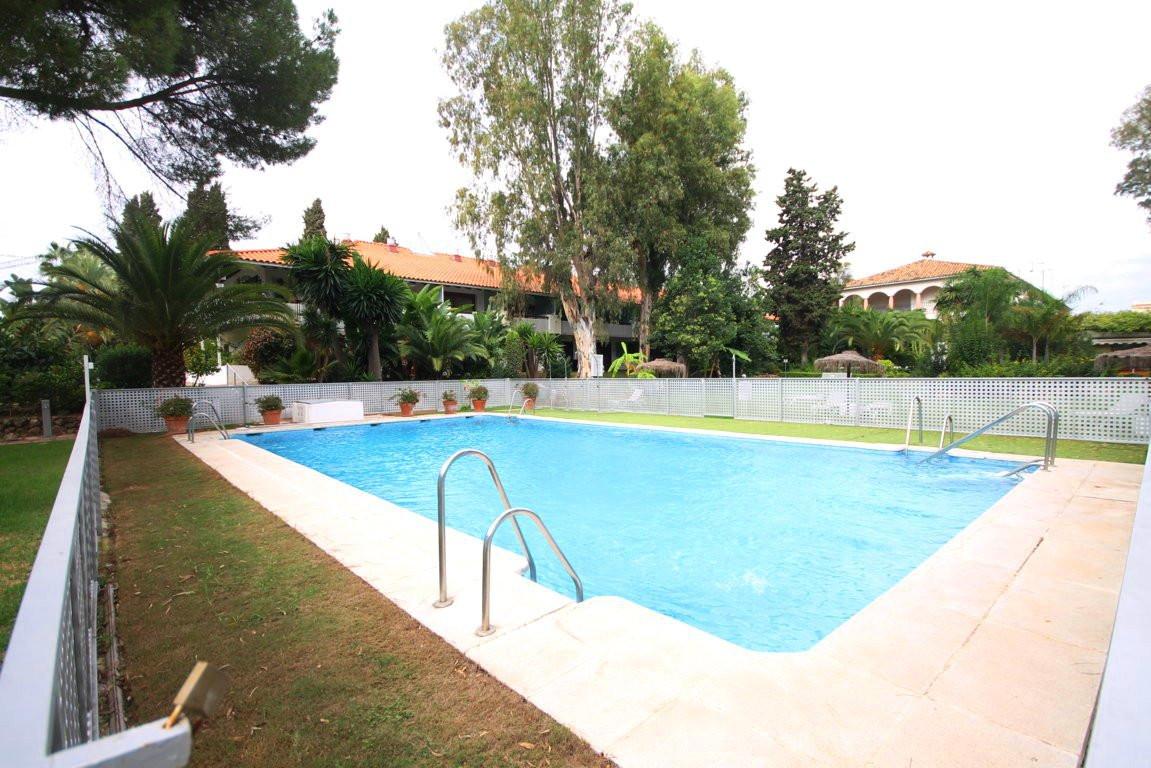Apartamento cerca de Puerto Banus  Acogedor apartamento en el complejo cerrado Fuentes del Rodeo. A ,Spain