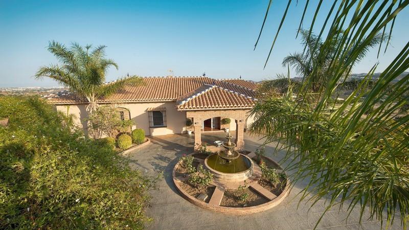 Country House for sale in Entrerrios, Mijas Costa, with 5 bedrooms, 4 bathrooms, 2 en suite bathroom,Spain