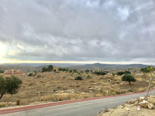 Terreno de 11000 m2 con una casa para reformar completamente, y vistas al mar, situado Aigues, a tan,Spain