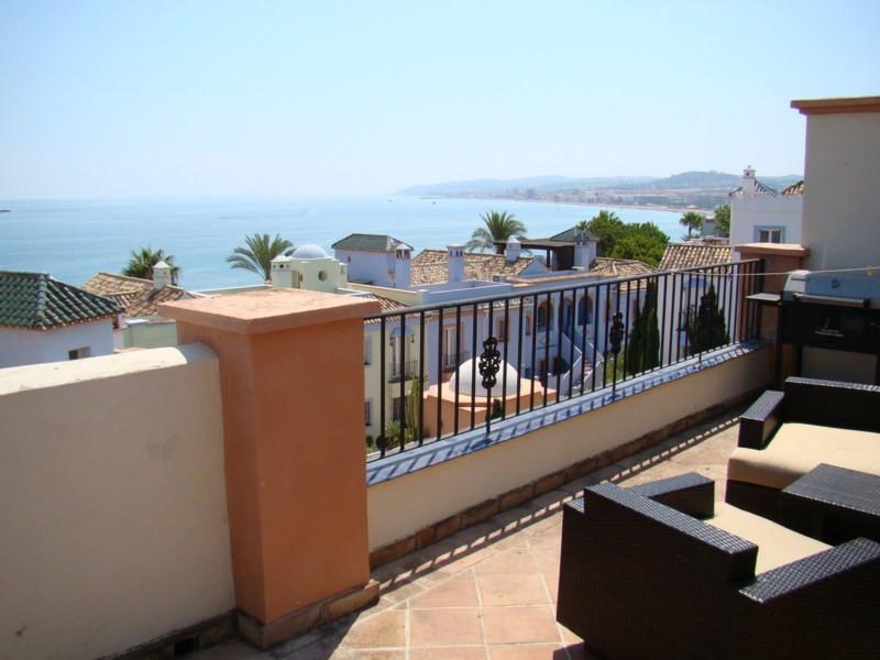 Penthouse, Casares Playa, Costa del Sol. 3 Bedrooms, 3 Bathrooms, Built 153 m², Terrace 80 m².  Sett,Spain