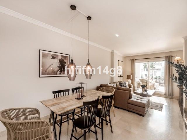 Elegant 3 bedroom apartment for sale in La Gavia, San Pedro. The apartment has three bedrooms, three,Spain