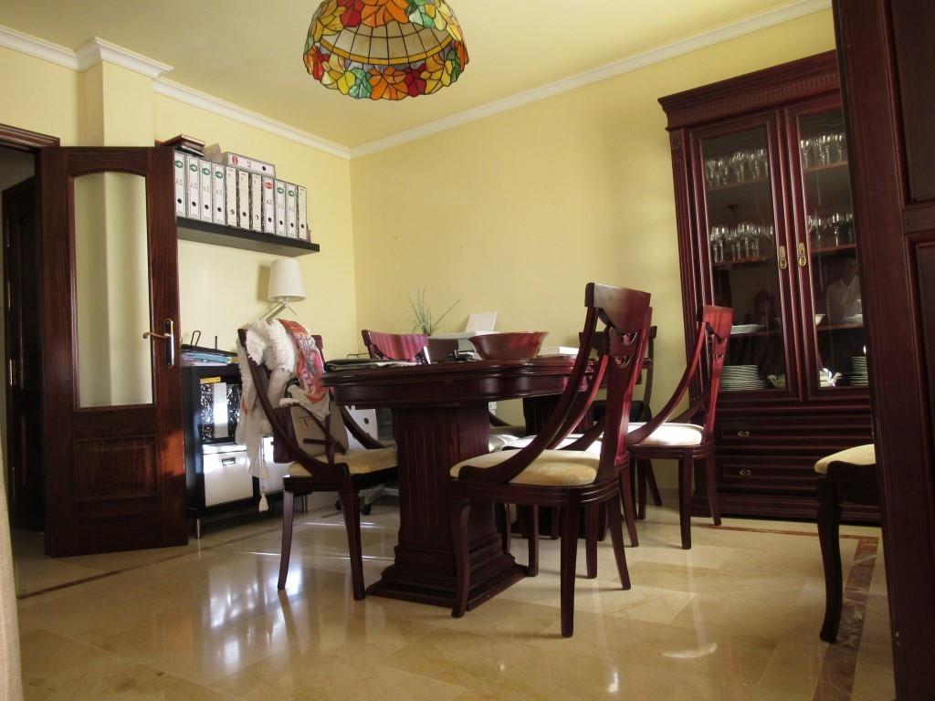 Top Floor Studio, Fuengirola, Costa del Sol. 2 Bedrooms, 1 Bathroom, Built 97 m², Terrace 3 m².  Set,Spain