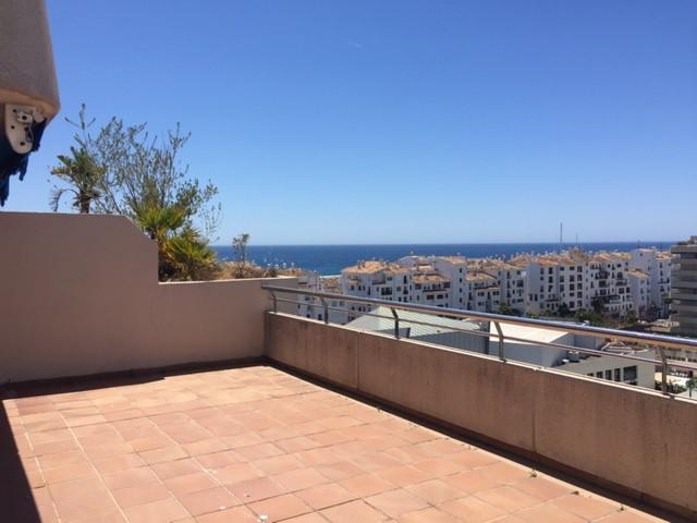 Penthouse, Puerto Banus, Costa del Sol. 1 Bedroom, 1 Bathroom, Built 50 m², Terrace 50 m².  Setting ,Spain