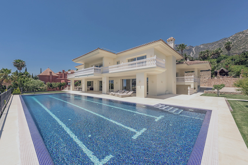 Elegant classical design, good partial sea views on the ground floor, and fantastic panoramic sea vi,Spain