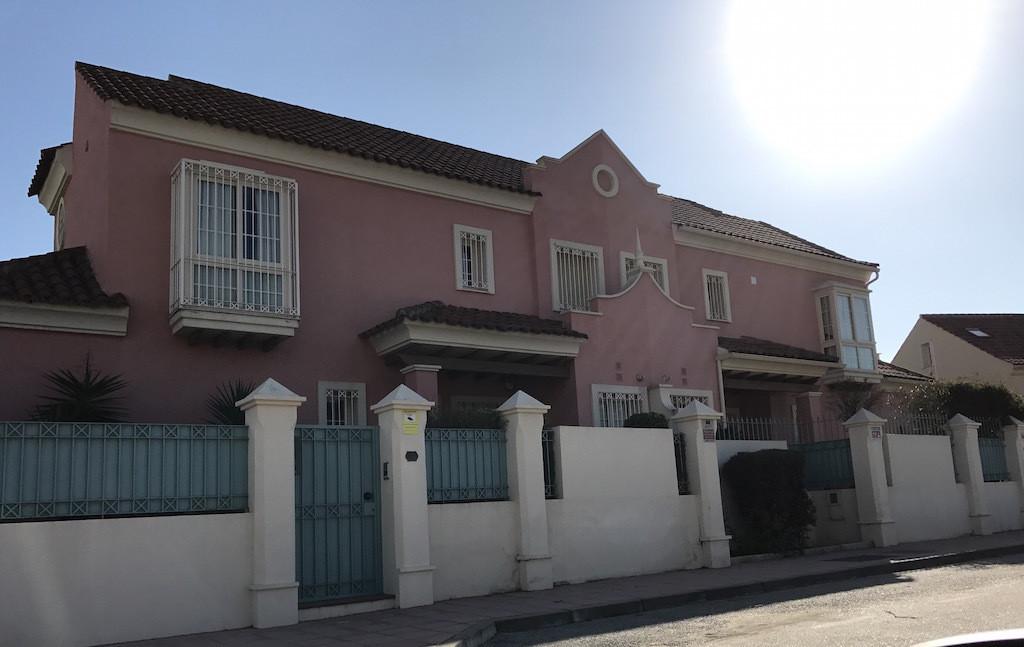 Front line beach villa in San Pedro Alcantara. Close to Cortijo Blanco and Puerto Banus. 450 m2 plot,Spain