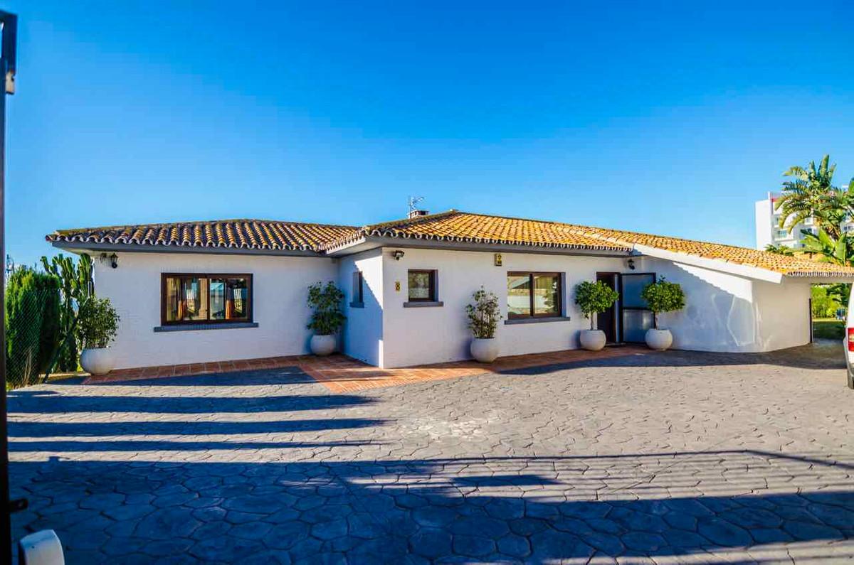 Detached Villa, Benalmadena, Costa del Sol. 3 Bedrooms, 3 Bathrooms, Built 175 m², Terrace 50 m², Ga,Spain