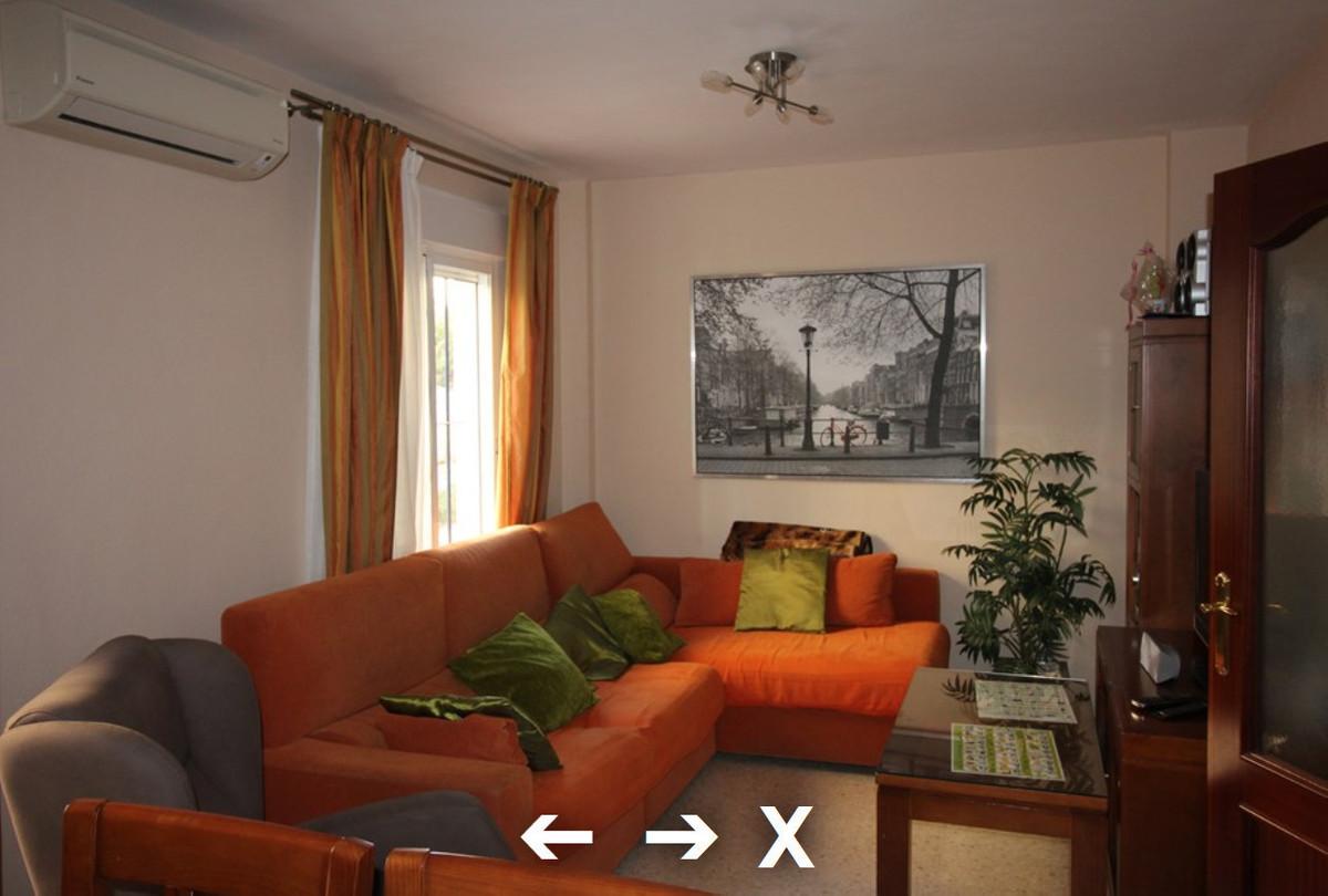 Casa adosada en Manilva centro con tres dormitorios, un bano y un aseo,. Garaje y trastero. dos plan,Spain