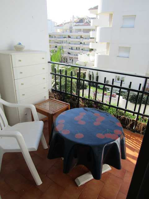 Middle Floor Apartment, Benalmadena Costa, Costa del Sol. 63 Bedrooms, 45 Bathrooms, Built 45 m², Te,Spain