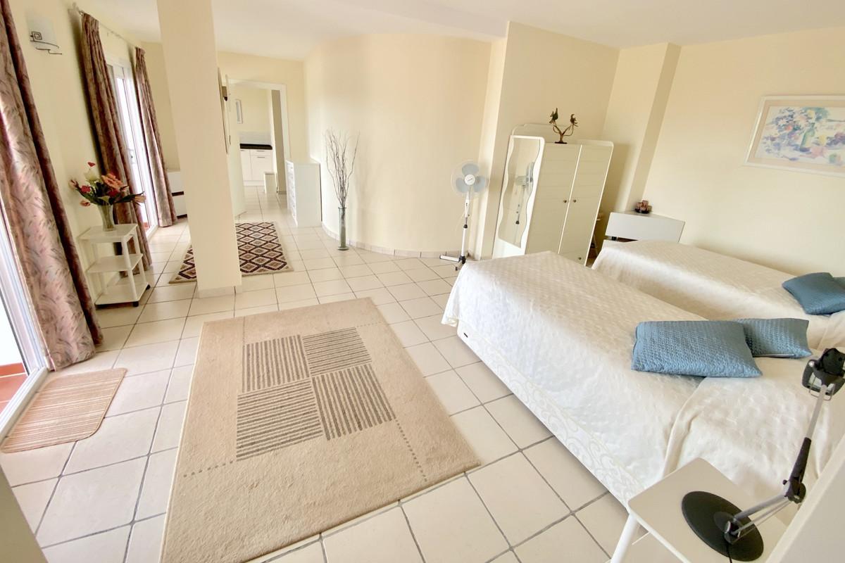 Villa con 5 Dormitorios en Venta La Cala Golf