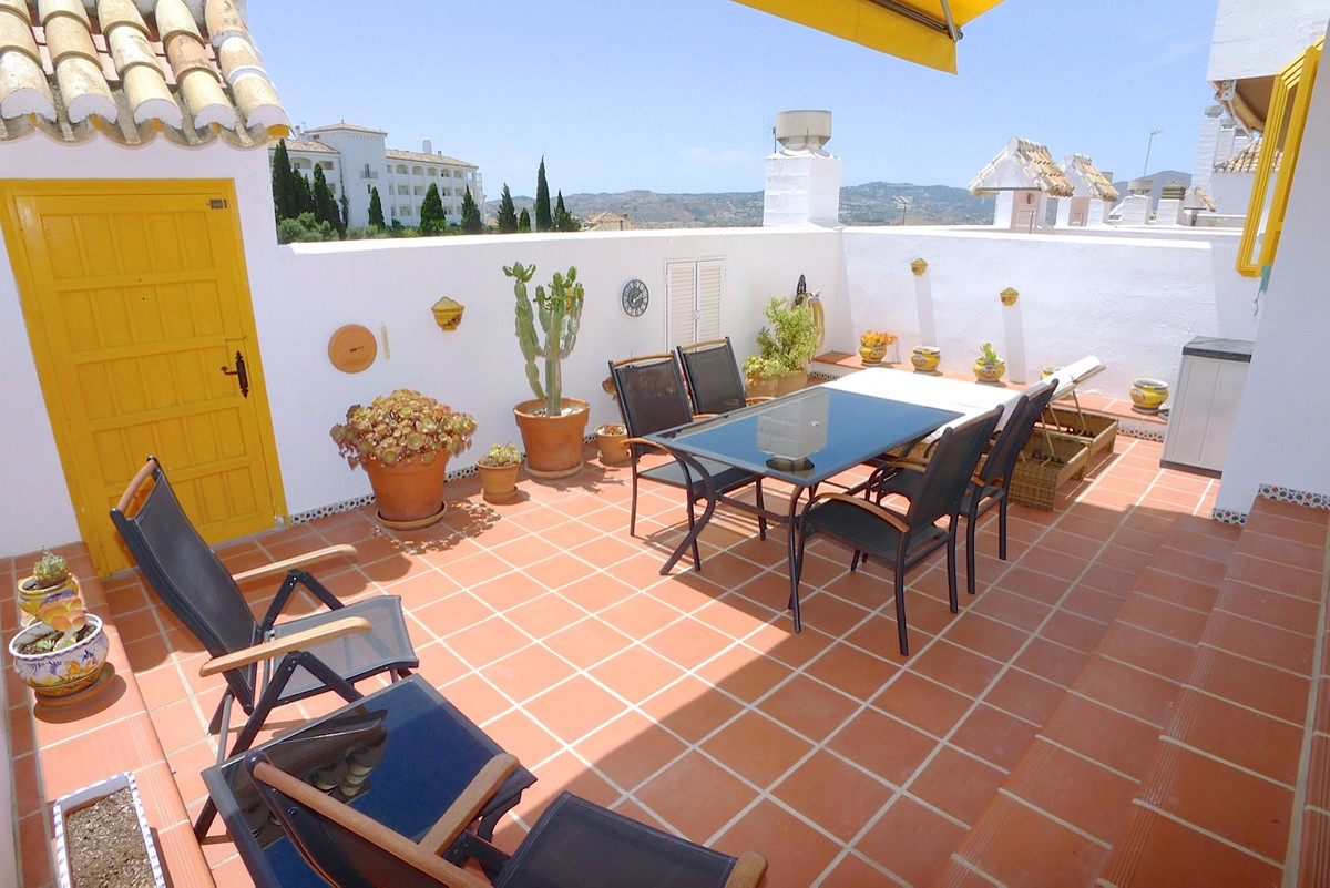 Absolutely gorgeous bargain 3 bed duplex with great views and walking distance to a restaurants and ,Spain