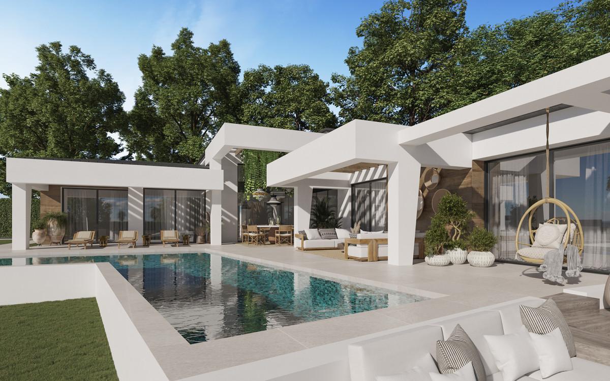 Detached Villa for sale in Nueva Andalucía R3931558