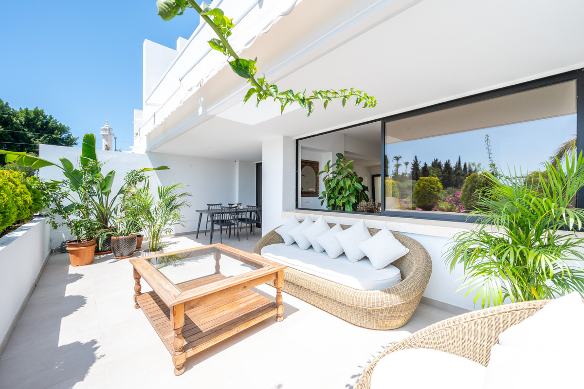 Spacious and bright brand new renovated duplex apartment in a quiet urbanization in Las Lomas del Ma,Spain