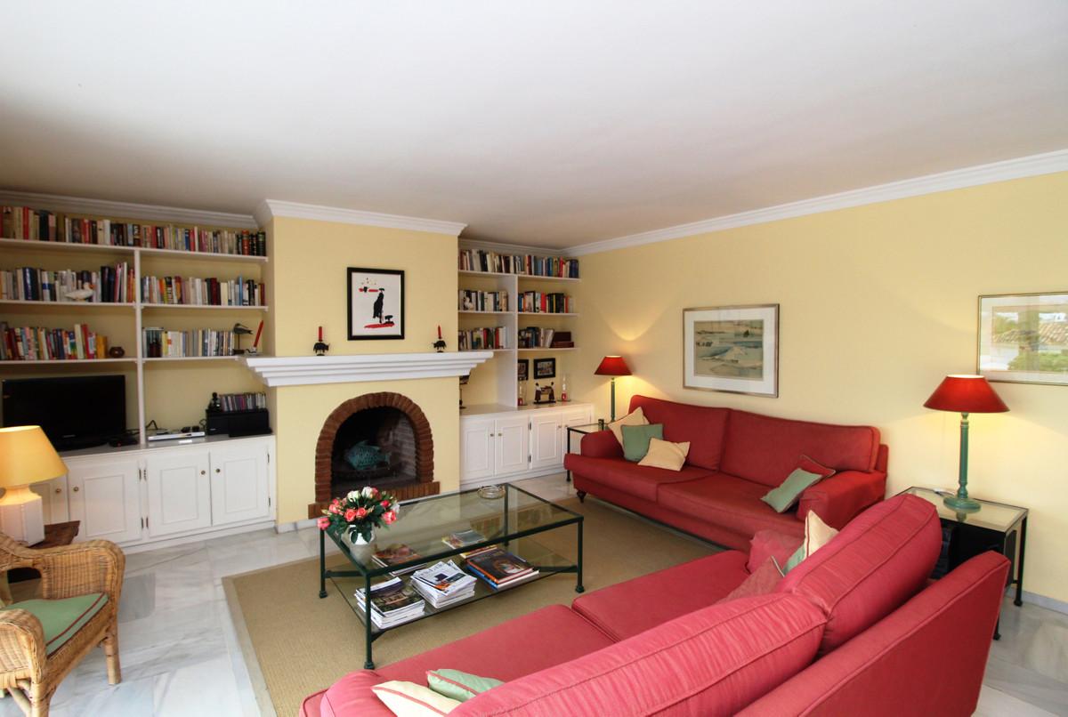 Apartment Penthouse Marbella Málaga Costa del Sol R3405595 4
