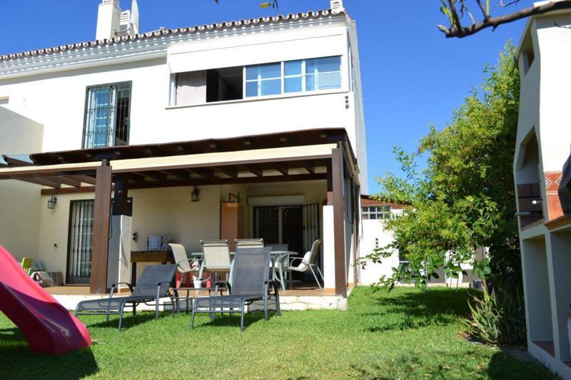Adosada en Nueva Andalucía R2494049