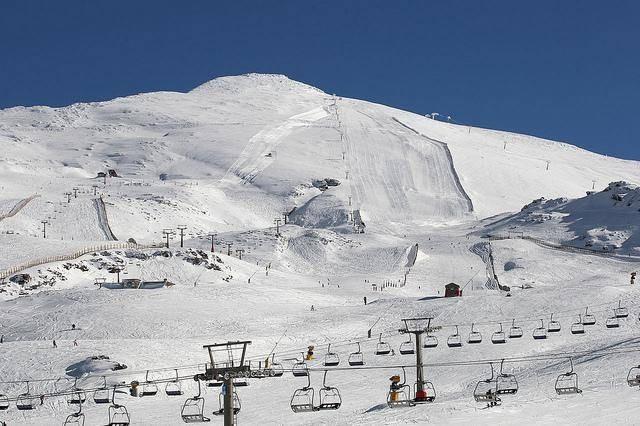 Cozy studio in the heart of Pradollano, Sierra Nevada's fantastic ski resort. The apartment is s,Spain