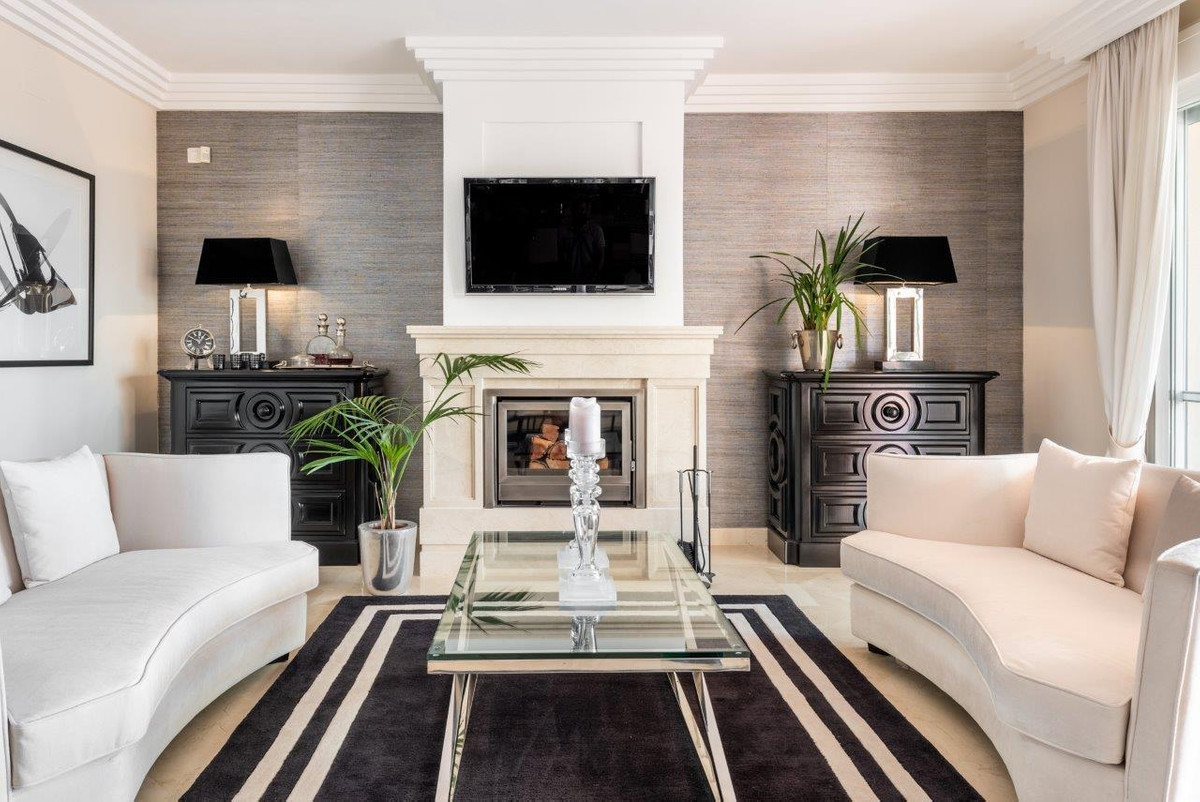 Splendid 3 bedroom duplex penthouse for sale in a magnificent development in Las Brisas overlooking ,Spain