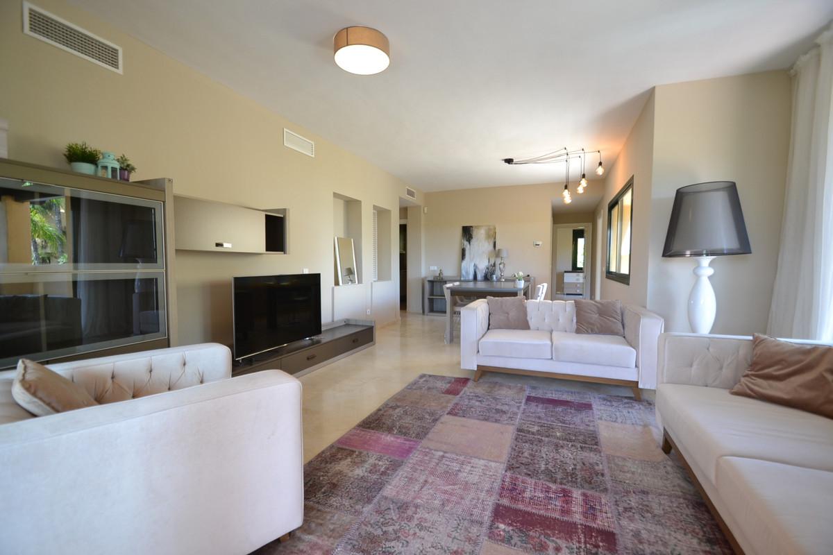 Lägenhet på mellanplan Till salu i Atalaya R3658688