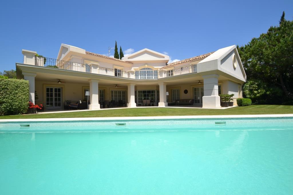 Villa Till salu i Sierra Blanca R3169045