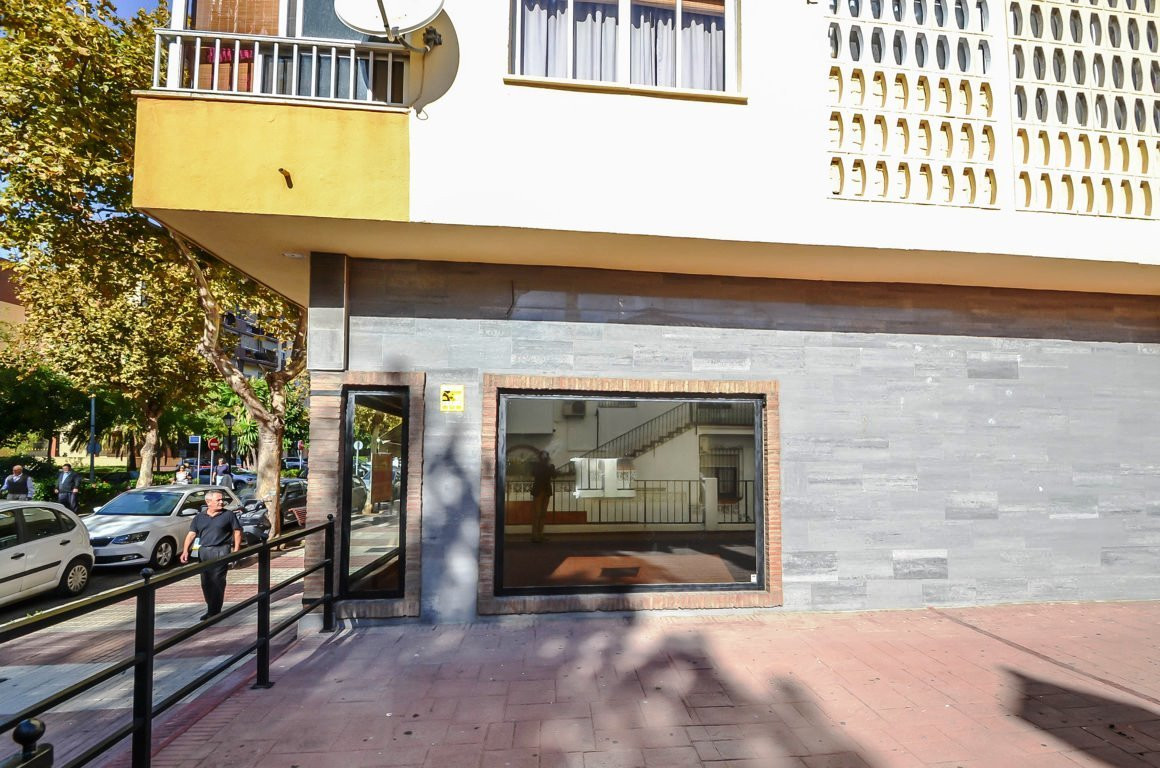 Commercial local in Miraflores area, close to Marbella center  Excellent opportunity! Fantastic loca,Spain