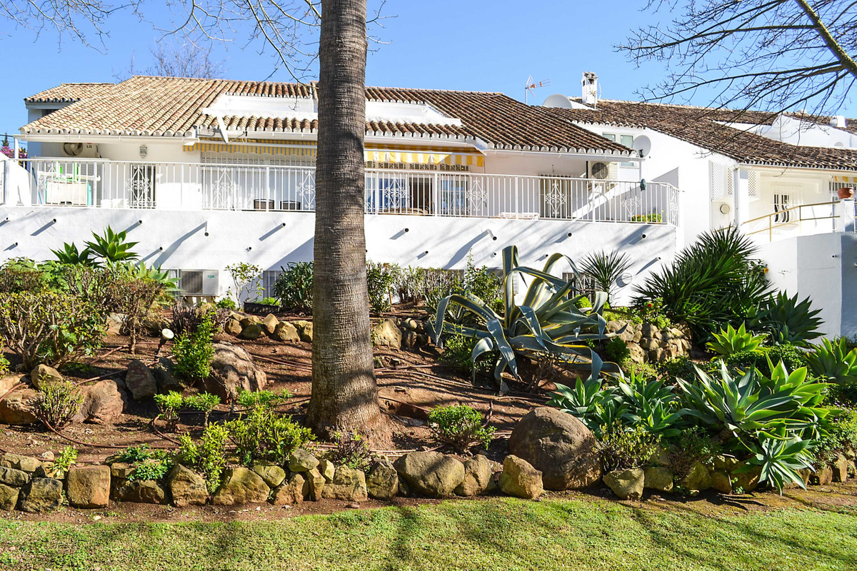 4 bedroom apartment for sale nueva andalucia