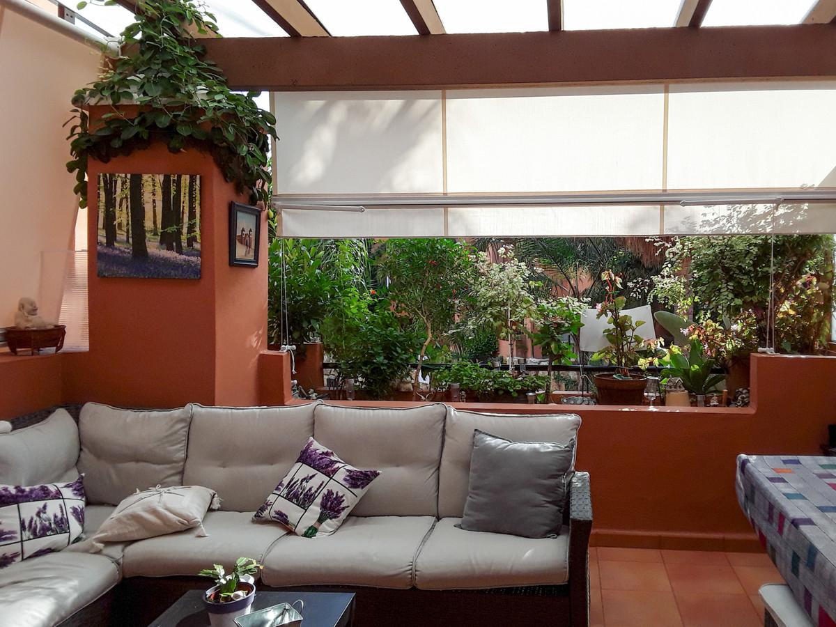 Middle Floor Apartment, Estepona, Costa del Sol. 2 Bedrooms, 2 Bathrooms, Built 85 m², Terrace 26 m²,Spain
