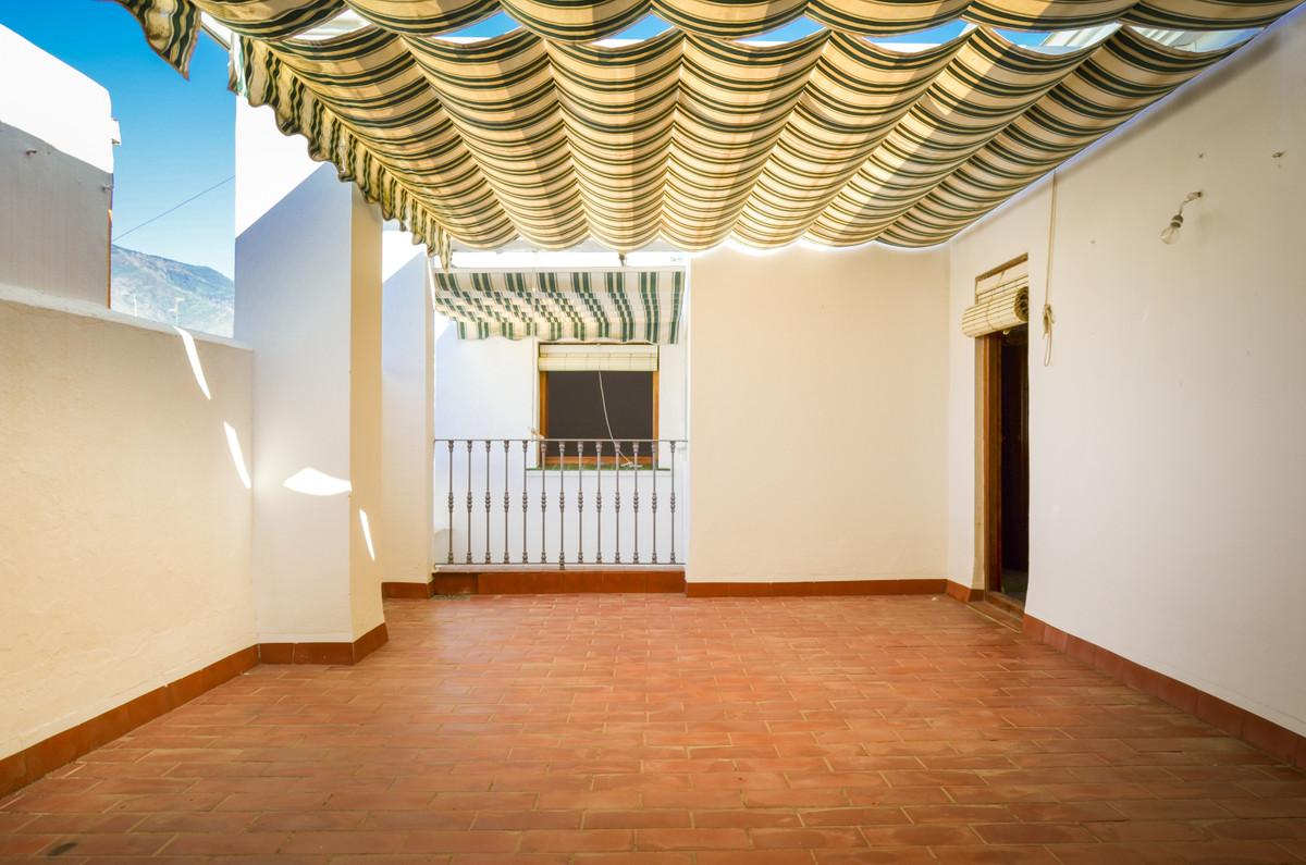 7 bedroom townhouse for sale estepona