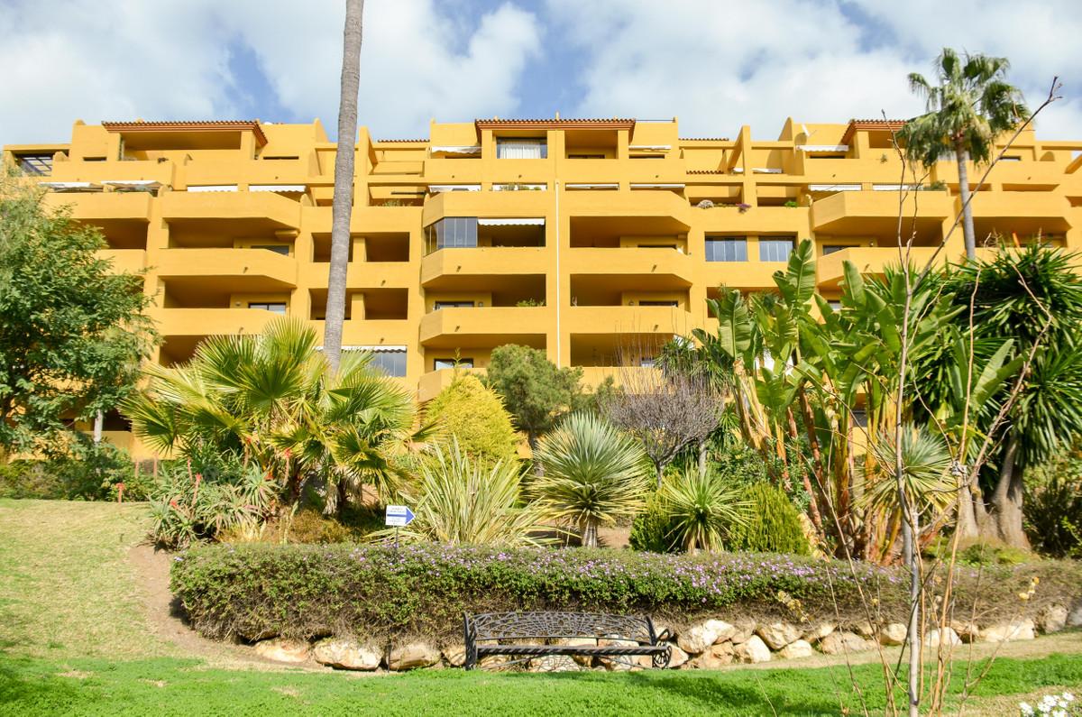 Top Floor Apartment, Estepona, Costa del Sol. 2 Bedrooms, 2 Bathrooms, Built 74 m², Terrace 20 m².  ,Spain