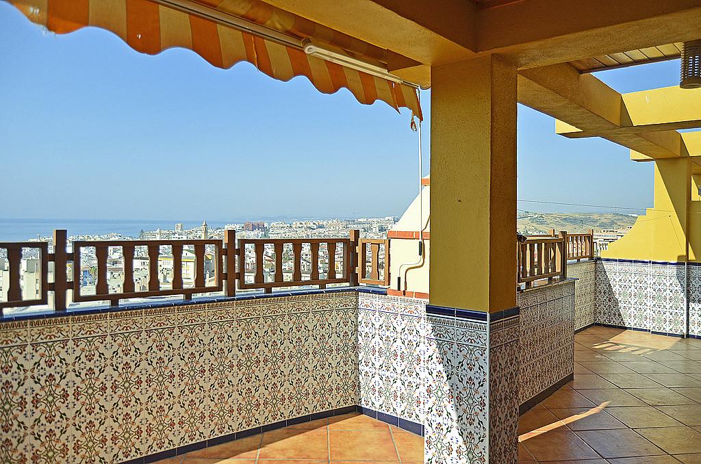 Penthouse, Estepona, Costa del Sol. 3 Bedrooms, 1 Bathroom, Built 80 m², Terrace 40 m².  Setting : T,Spain