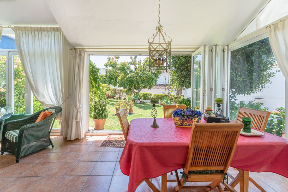 Rijhuis te koop in Nueva Andalucía R3420613