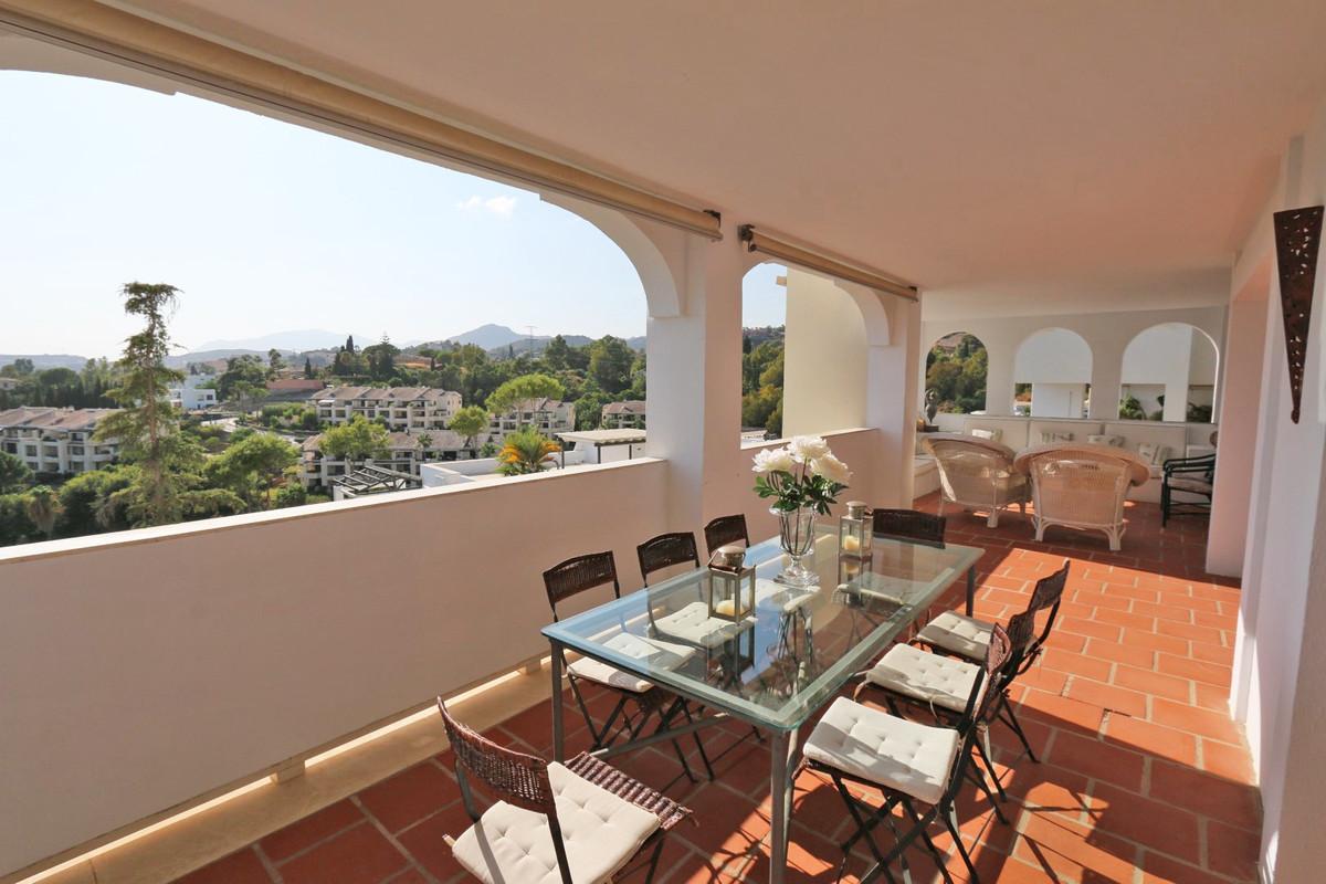 Leilighet - mellometasje i La Quinta R3512467