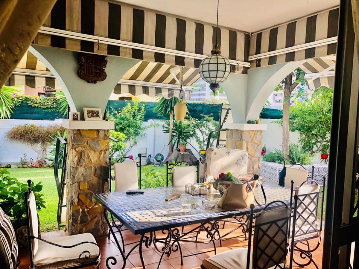 Villa con 4 Dormitorios en Venta Benalmadena Costa