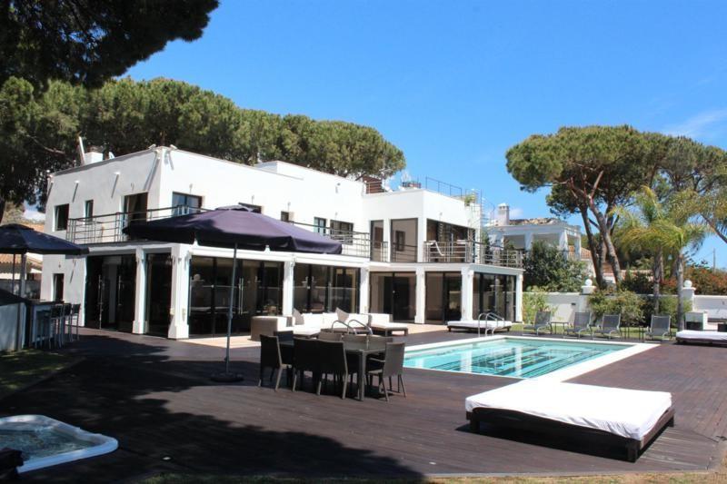 Villa - real estate in Cabopino