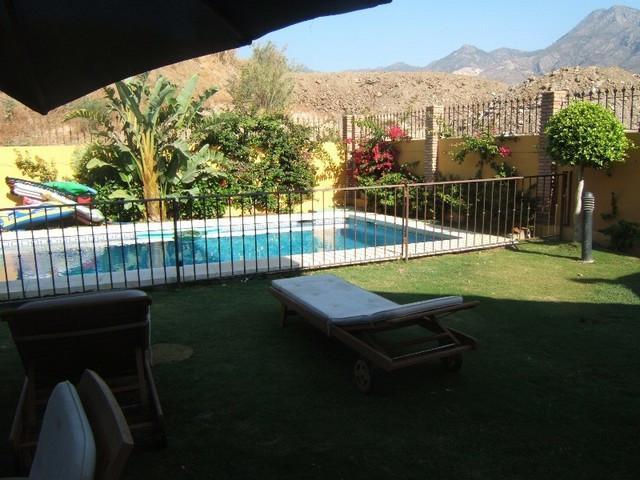 Villa - real estate in Torrequebrada