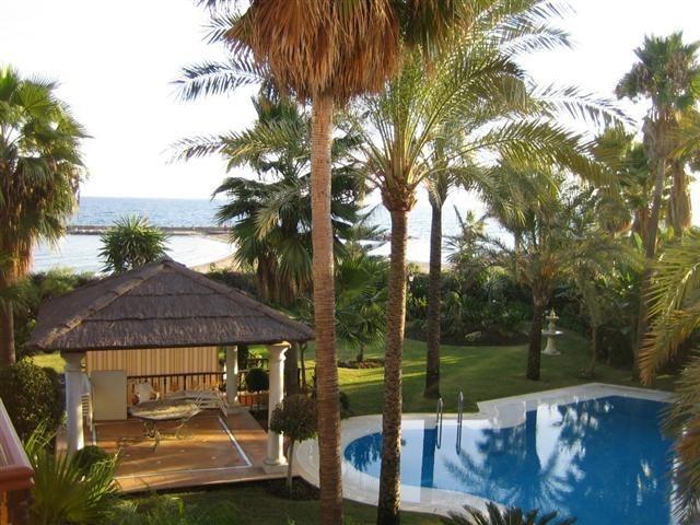 Lejlighed - ejendomsmægler i Puerto Banus