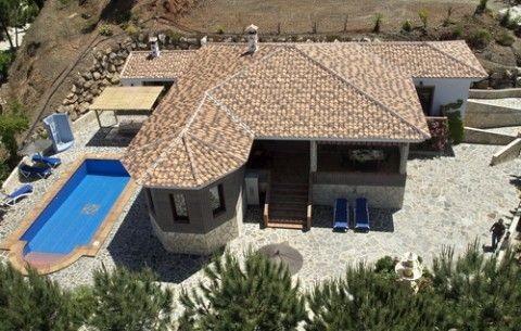 Villa til salg i Sayalonga