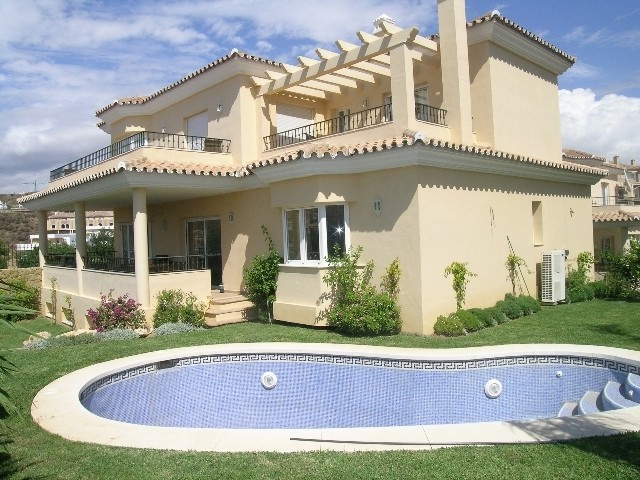 Villa till salu i Riviera del Sol
