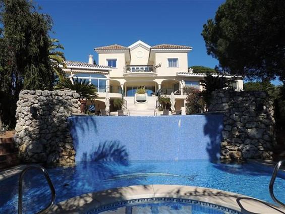 Villa til salg i Elviria