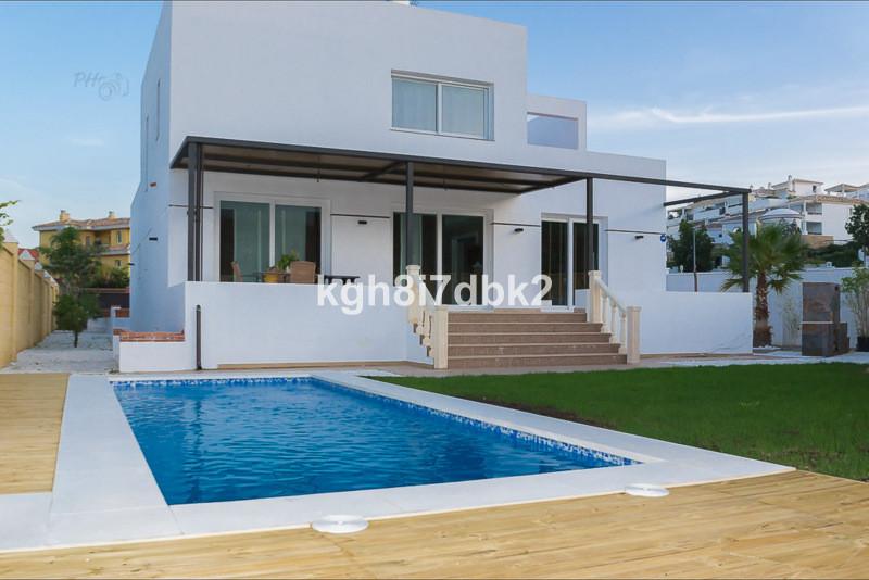 Detached house - real estate in Benalmadena Costa