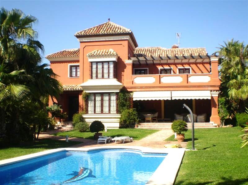Villa til salg i Las Chapas