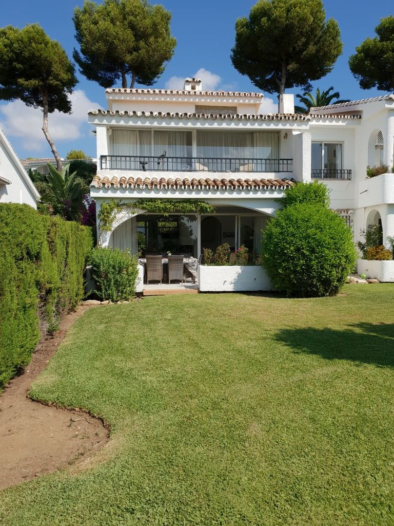 Rækkehus - ejendomsmægler i Miraflores
