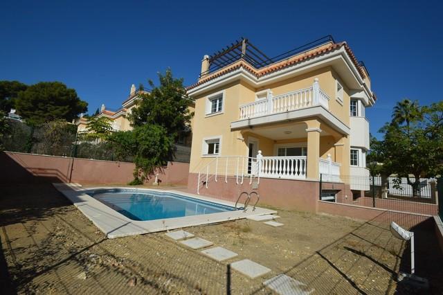Villa - mägler i Torremolinos