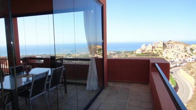 Apartment - real estate in Calahonda