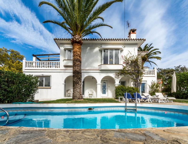 Villa - ejendomsmægler i Elviria